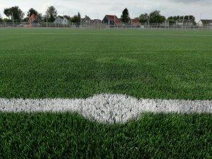 Middenstip nieuw voetbalveld Deinum