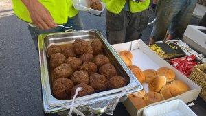 Broodje bal voor de bouwvakkers